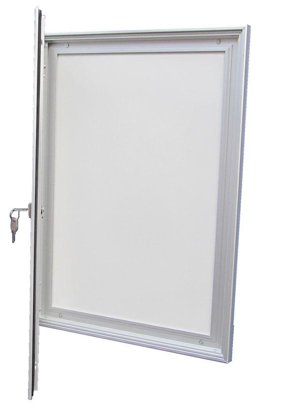 vitrine d'affichage ouverte
